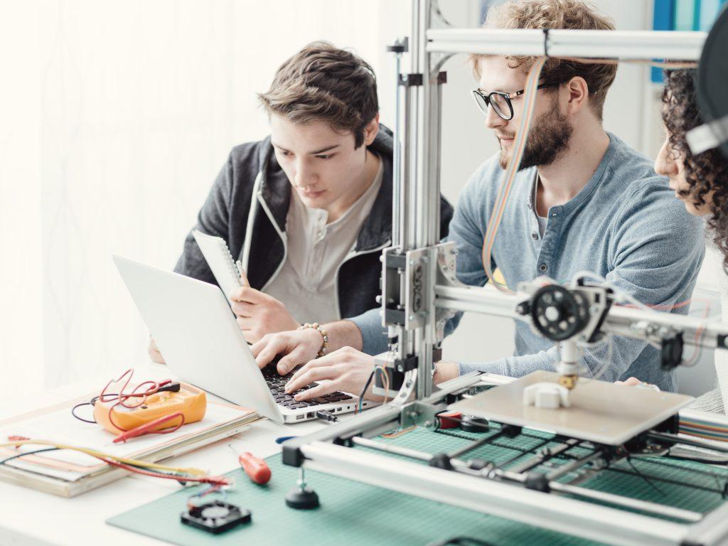ayuda a empresas con base tecnológica
